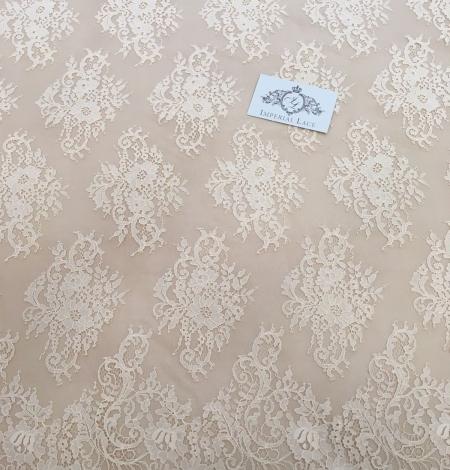 Persiku krāsas Chantilly Mežģīne. Photo 3