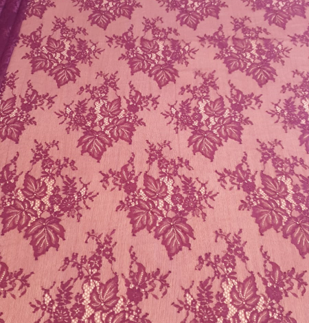 Ceriņu puķaina Chantilly mežģīne. Photo 3