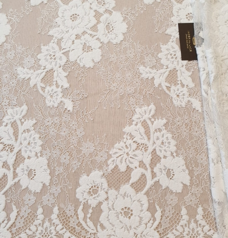 Off White  guipure with chantilly pattern lace fabric. Photo 2