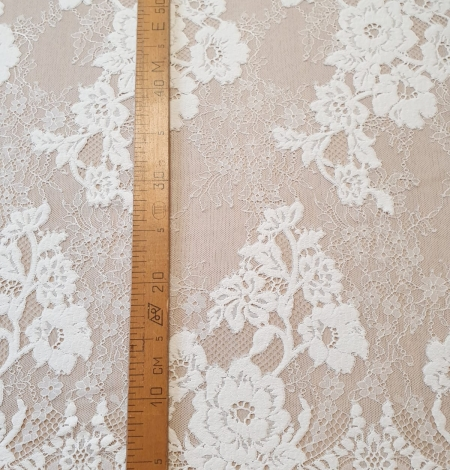 Off White  guipure with chantilly pattern lace fabric. Photo 8