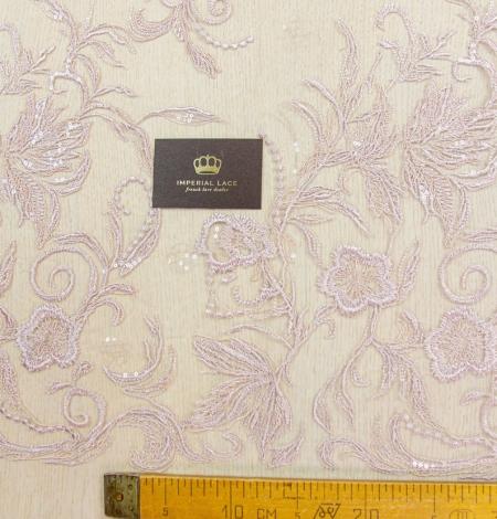 Veci rozā puķains raksta izšuvums ar fliteriem uz tilla auduma. Photo 8