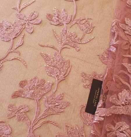 Aveņu rozā ziedu raksta izšuvums ar fliteriem uz mīksta tilla auduma. Photo 2