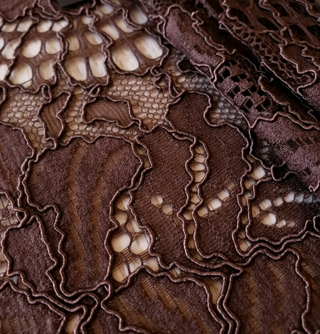 Brown floral guipure lace fabric . Photo 6