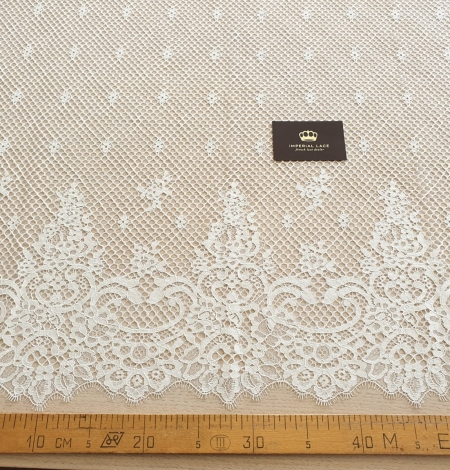 Ivory mesh floral guipure lace fabric. Photo 4