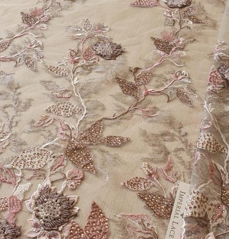 Veci rozā ziedu biezs izšuvums ar plāno mežģīni uz tilla. Photo 1