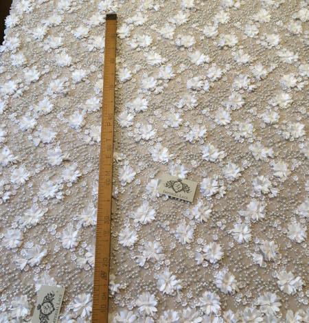 Pienbalts 3D pērļots izšuvums uz tilla audums. Photo 5
