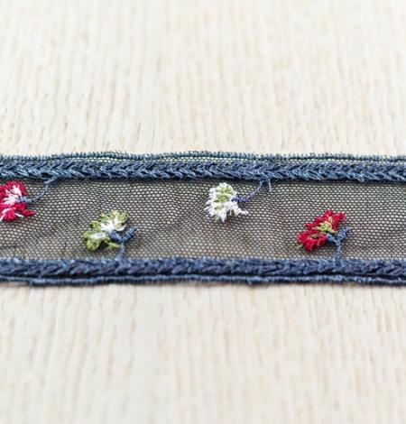 Daudzkrāsaini ziedu izšuvumi uz tilla maliņas. Photo 4
