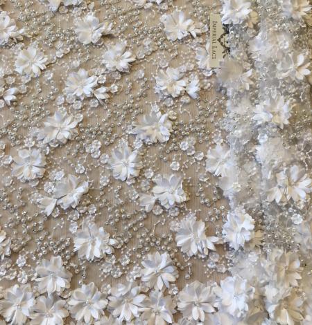 Pienbalts 3D pērļots izšuvums uz tilla audums. Photo 1