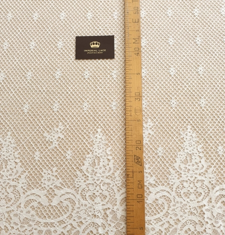 Ivory mesh floral guipure lace fabric. Photo 5