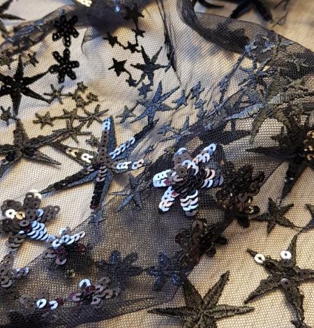 Menls zvaigžņu izšuvums ar fliteriem uz tilla auduma. Photo 5
