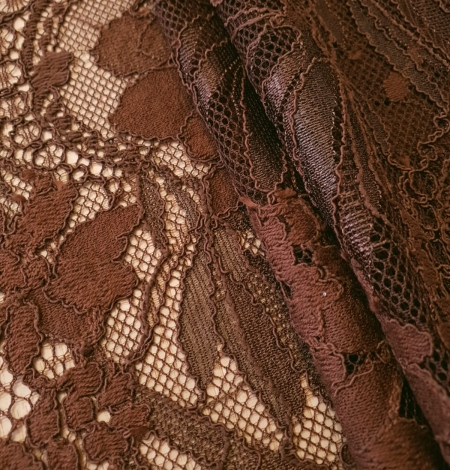 Brown floral pattern guipure lace fabric. Photo 4