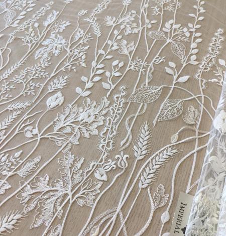 Ziloņkaula organisks ziedu izšuvums uz ttilla auduma. Photo 1