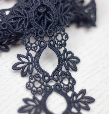 Melna ziedu raksta macrame mežģīņu mala. Photo 1