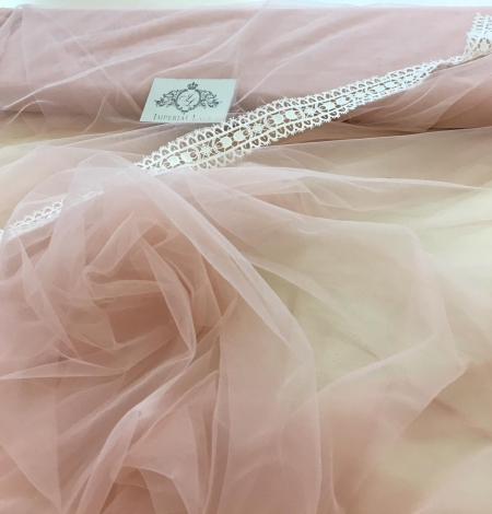 Pink lace tulle. Photo 1