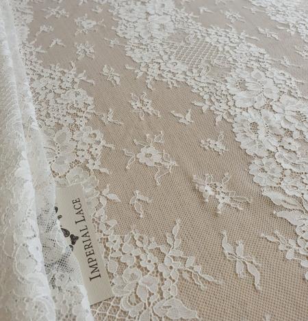 Ivory chantilly lace fabric. Photo 3
