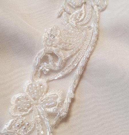 Ziloņkaula krāsas mežģīnes maliņa izšūta ar pērlītēm. Photo 4