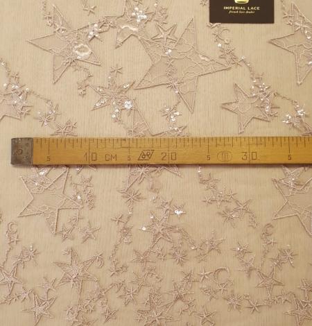 Veci rozā zvaigžņu raksts ar chantilly deteļām un fliteriem izšuvums uz tilla auduma. Photo 11
