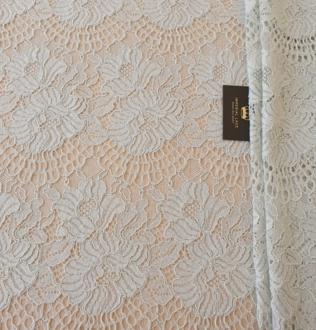 Light grey with bluish green guipure lace fabric. Photo 6
