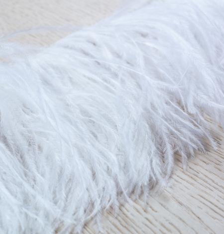 Piena baltas maigas dabīgas strausa spalvas. Photo 4