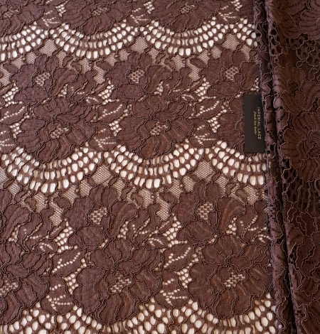 Brown floral guipure lace fabric . Photo 9