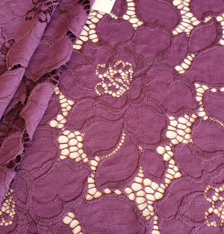 Plum lilac lace fabric. Photo 2