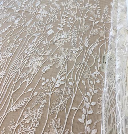 Ziloņkaula organisks ziedu izšuvums uz ttilla auduma. Photo 5