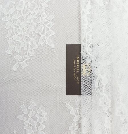 Piena balts ziedu chantilly mežģīņu audums. Photo 1