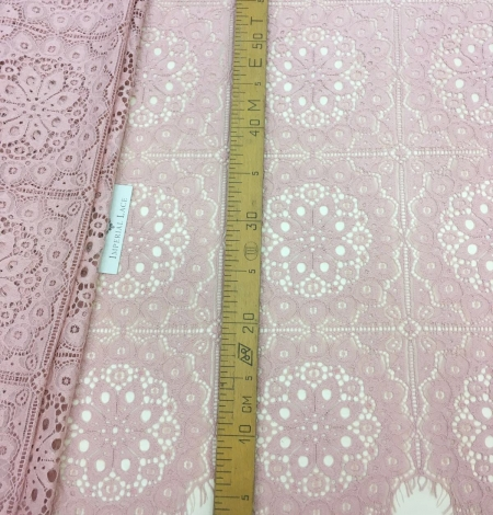 Old rose lace fabric, French Lace. Photo 4