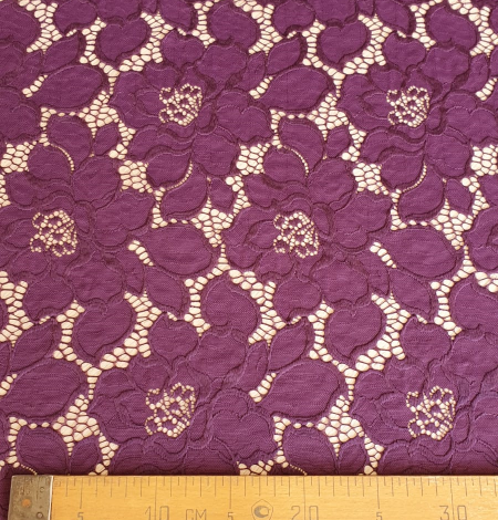 Plum lilac lace fabric. Photo 6