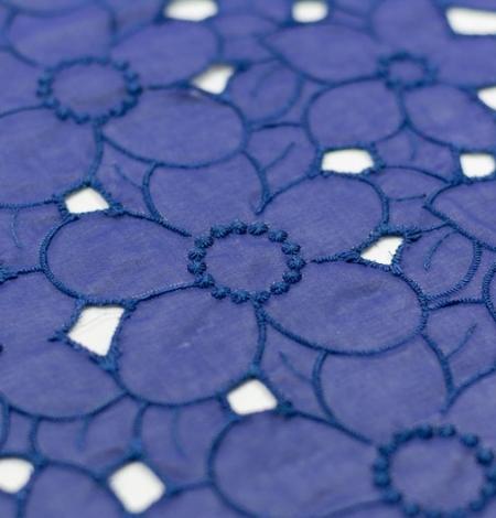 Zils ar lillā toni alencon mežģīnes audums. Photo 2
