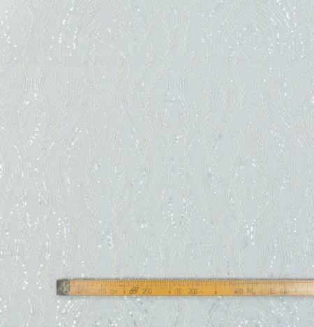 Pienbalts ar sudrabu pērļots izšuvums uz tilla audums. Photo 6