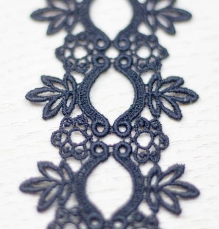 Melna ziedu raksta macrame mežģīņu mala. Photo 2