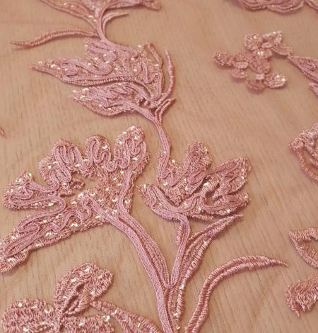Aveņu rozā ziedu raksta izšuvums ar fliteriem uz mīksta tilla auduma. Photo 5