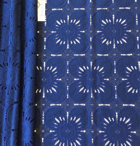 Tumši zila ziedu raksta guipure mežģīņu audums. Photo 4