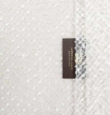 Piena balts pērļots tīkla raksts uz tilla auduma. Photo 4