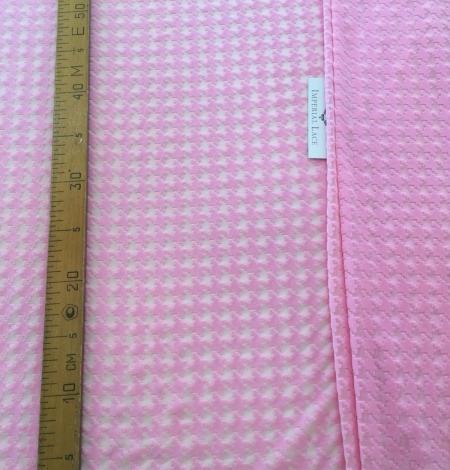 Pink velvet tulle fabric. Photo 7