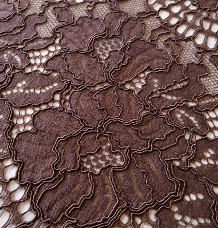 Brown floral guipure lace fabric . Photo 5