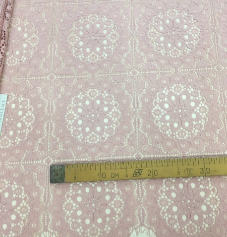 Old rose lace fabric, French Lace. Photo 5
