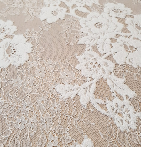 Off White  guipure with chantilly pattern lace fabric. Photo 5