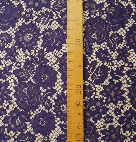 Lilac guipure lace fabric. Photo 6