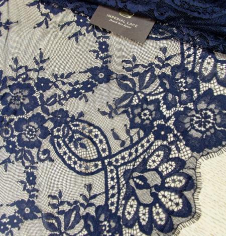 Tumši zila ziedu raksta chantilly mežģīņu audums. Photo 2