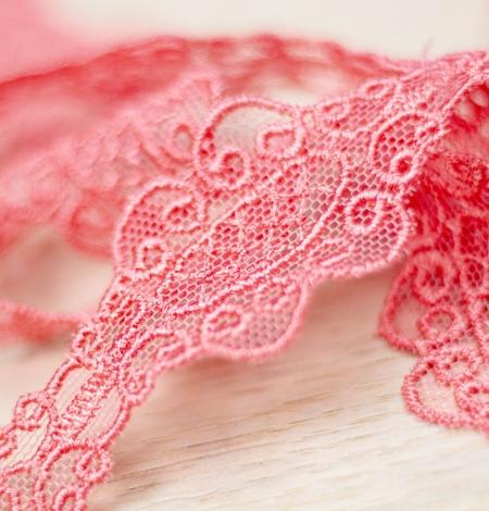 Koraļļu rozā macrame mežģīņu mala. Photo 1