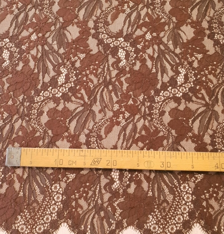 Brown floral pattern guipure lace fabric. Photo 7
