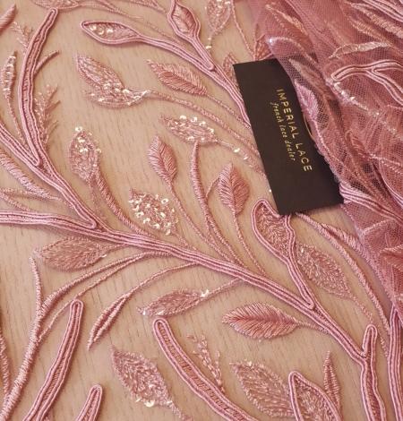 Aveņu rozā lapu rakstu izšuvumi ar fliteriem uz mīksta tilla auduma. Photo 1