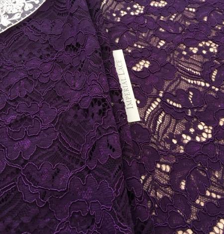Violets ziedu raksta guipure mežģīņu audums. Photo 4