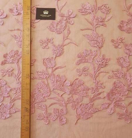 Aveņu rozā ziedu raksta izšuvums ar fliteriem uz mīksta tilla auduma. Photo 9