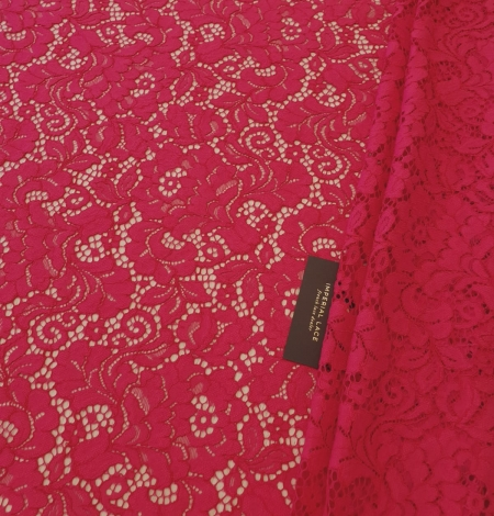 Raspberry pink 100% polyester floral pattern guipure lace fabric. Photo 1