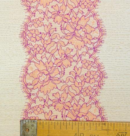 Oranžs ar lillā ziedu raksta chantilly mežģīņu mala. Photo 6