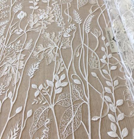 Ziloņkaula organisks ziedu izšuvums uz ttilla auduma. Photo 3