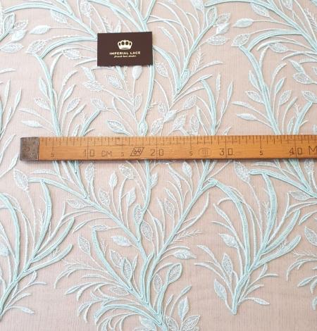 Tiffany zils lapu raksta izšuvums uz tilla auduma. Photo 8
